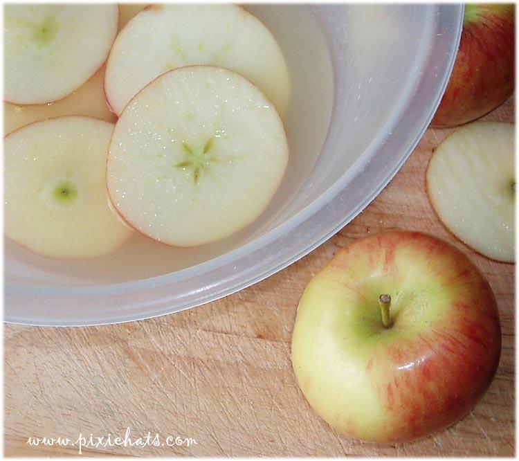 Soak and marinade the apple slices in lemon juice