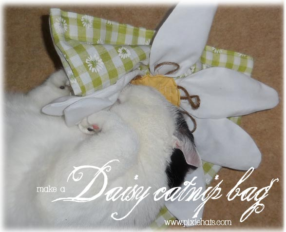 Make a daisy flower catnip bag with a free sewing pattern template
